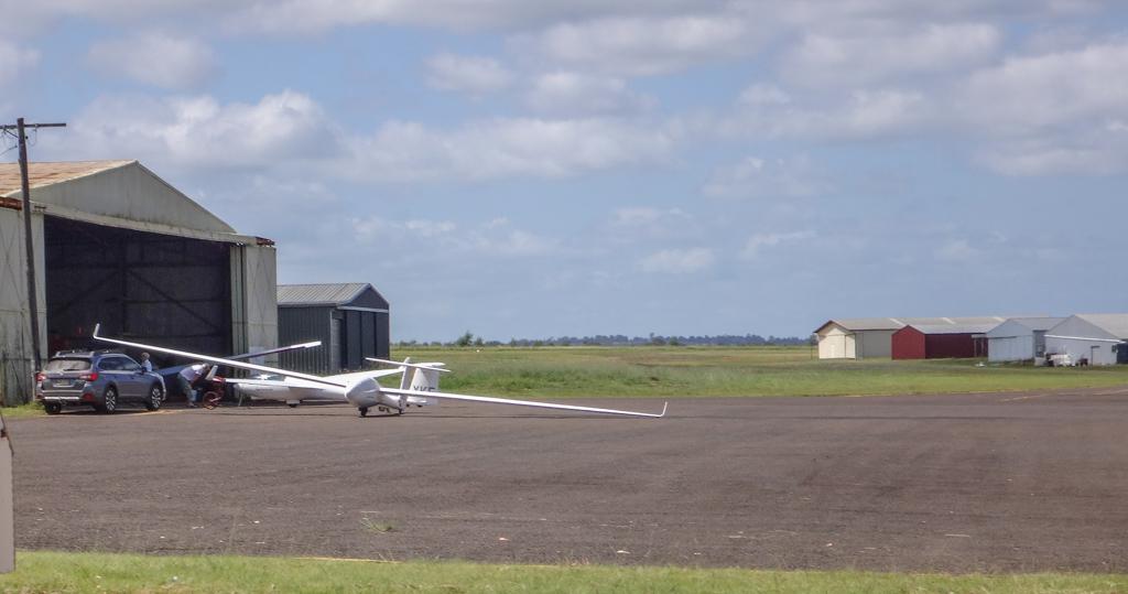 Glider - Kingaroy Airport