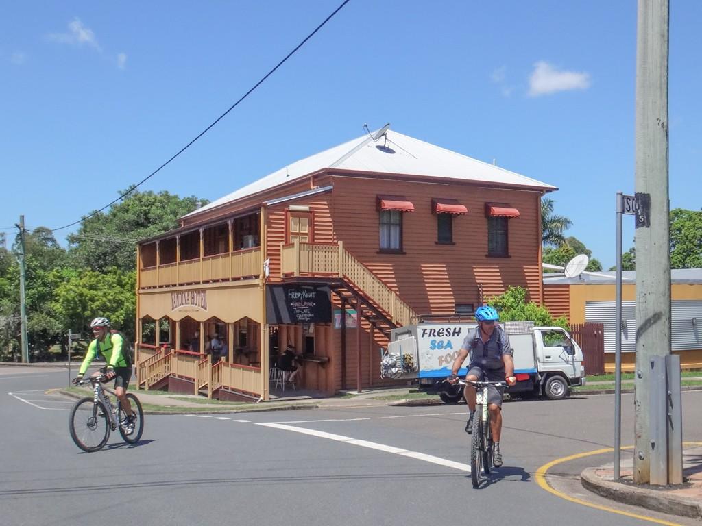 Yandina Pub